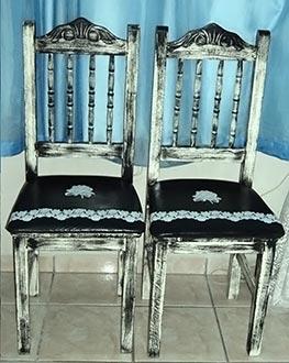 Cadeiras ganham pintura e detalhes no estofamento