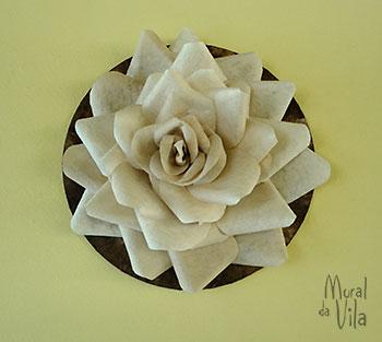 Flor grande de parede com reciclagem