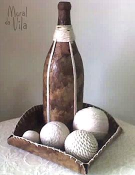 Garrafa decorada com filtro de café usado