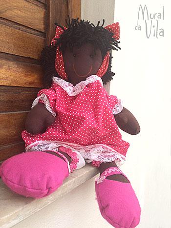 Mural de bonecos para a criançada