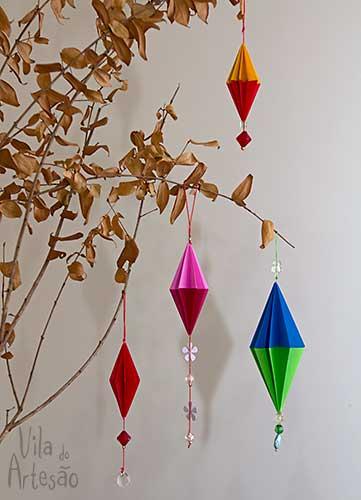Enfeites para árvore de natal em origami