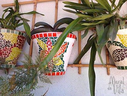 Vasos decorados com mosaico