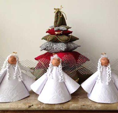 Enfeites de anjos rendados para o natal
