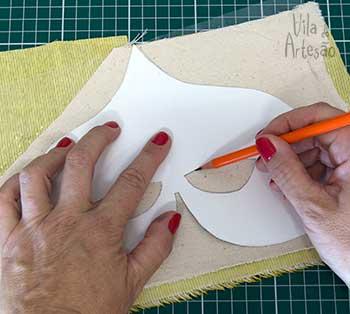 Transfira o molde para o tecido