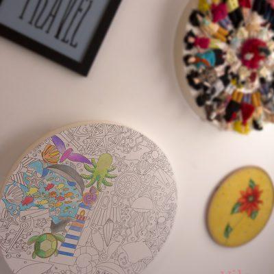 Mandala de colorir com gravura adesiva