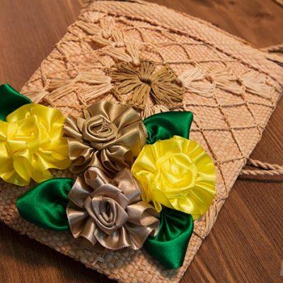 Como fazer uma flor de fita simples e linda