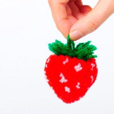 Como fazer um pompom morango