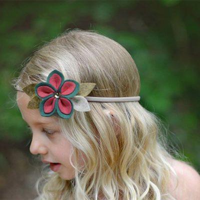 Headband decorado com flor de feltro