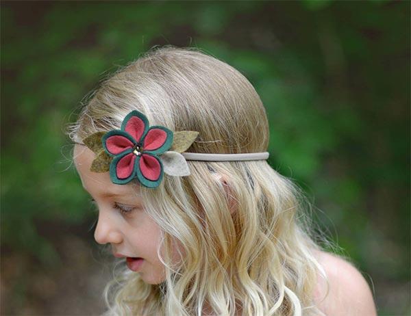 Headband decorado com flor de duas cores
