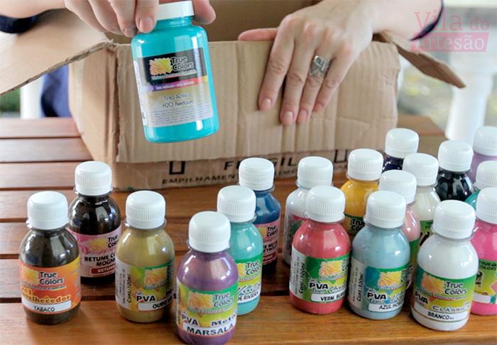 Unboxing apresentando produtos True Colors