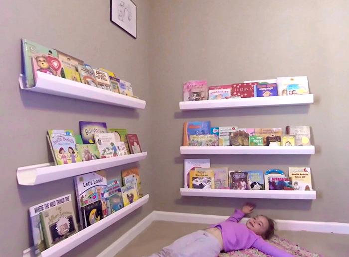 Prateleira suporte de livros DIY pronta