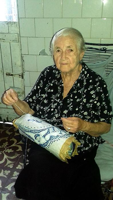 A cultura da renda renascença, viva nas mãos de Dona Odete