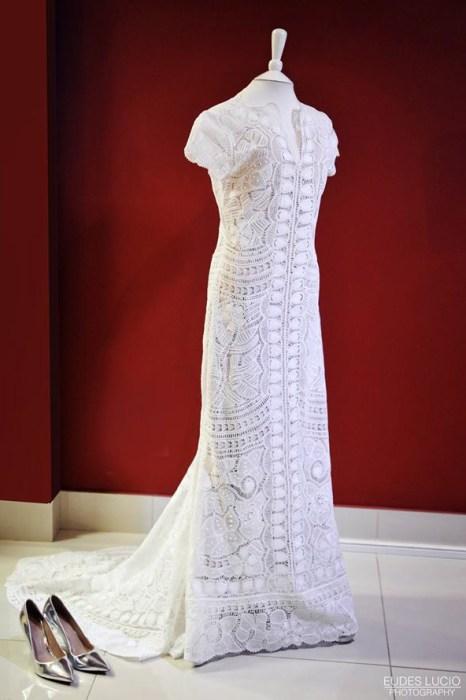 Vestido de bodas de alta costura usando renda renascença
