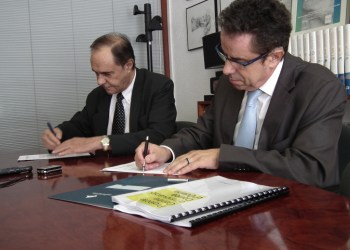 Signatura conveni Cambra de Comerç 2012