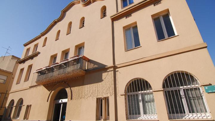 Façana de l'Ajuntament de Vilanova del Camí