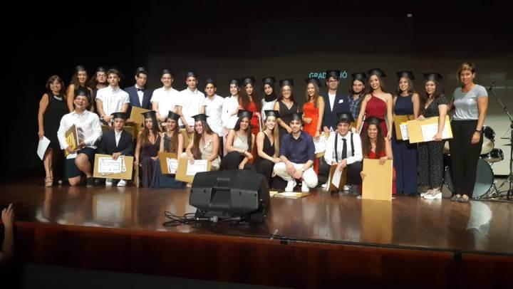 La gala de graduació de 2n de batxillerat esdevé un reconeixement a l'excel·lència i a l'esforç | FOTOS