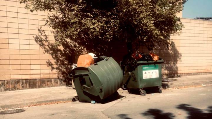 contenidors carrer Tintorers fets malbe