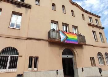 façana Ajuntament bandera LGTBI
