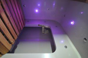 LED lys til træbadekar