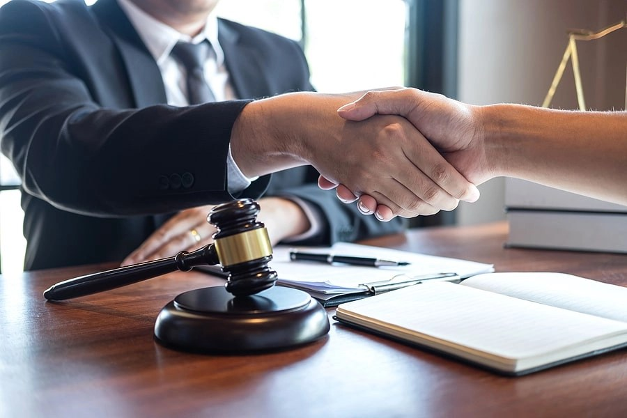 How Much Does It Cost to Talk to a Lawyer?