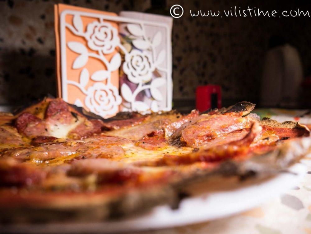 Пица пиперони с блат от киноа