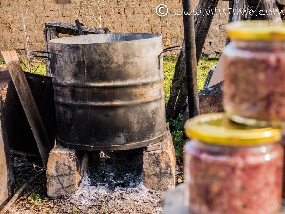 Домашен свински пастет с кимион и черен пипер
