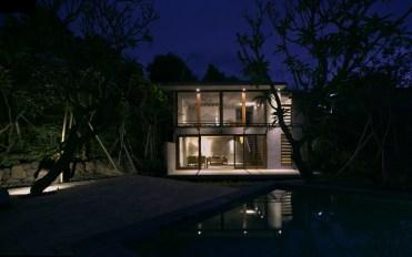 Villa Anak Arun - Front-view at night