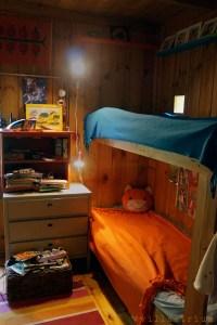Pikku makuuhuone ennen remonttia