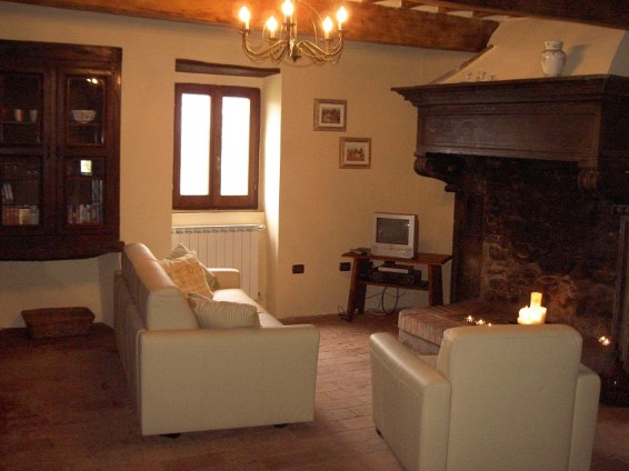 Rent apartment with pool in Umbria