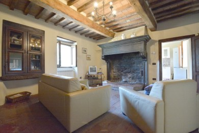 rent apartments with pool in Umbria