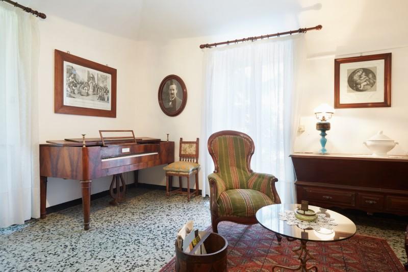 dekoracje salonu wstylu retro
