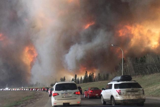 Canada-Wildfire_3