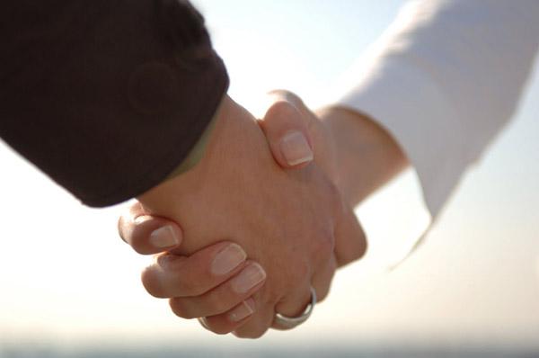 Muslim-Handshake_2