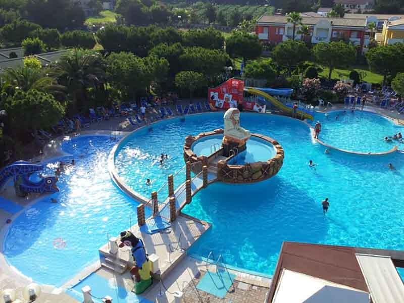 Hotel Con Piscina Interna Andalo