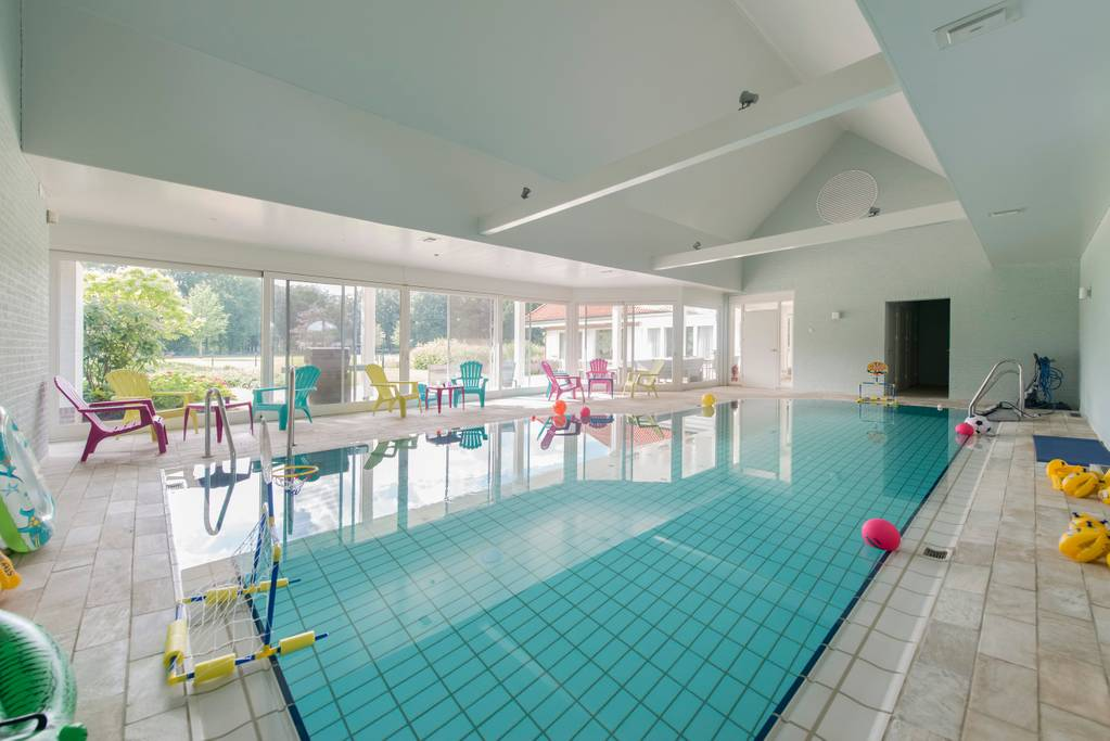 swimming pool Villa Kempen-Broek