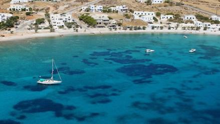 Karavostasi beach in Folegandros