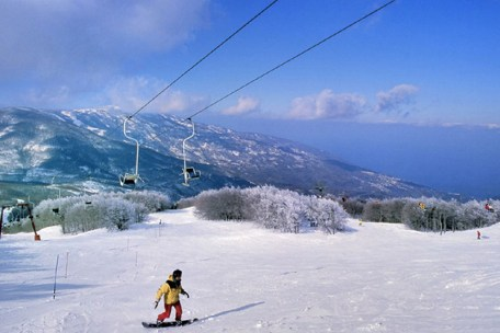 Skiing in Agriolefkes, Pelion