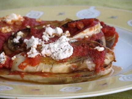 Recipe with white aubergines in Santorini