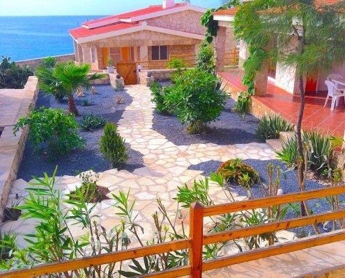 Stella Maris villa garden