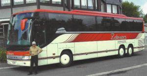 uitstapje met de bus en de baas van Hotel du Lac