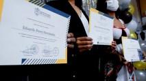 municipalidad-villanueva-guatemala-graduacion-ingles-1