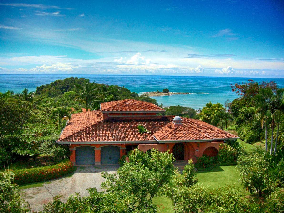 Casa Antigua  Rent Luxury Villas in Dominicalito Costa Rica