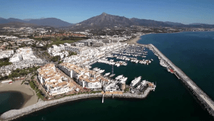 10 mims from puerto banus