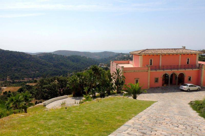 Monte Mayor, Benahavis villa for Sale – 1,975,000 euros