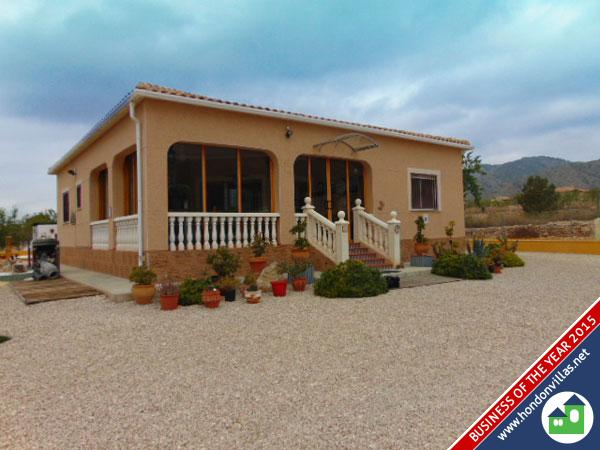 713 Macisvenda – Beautifully Presented Detached Villa