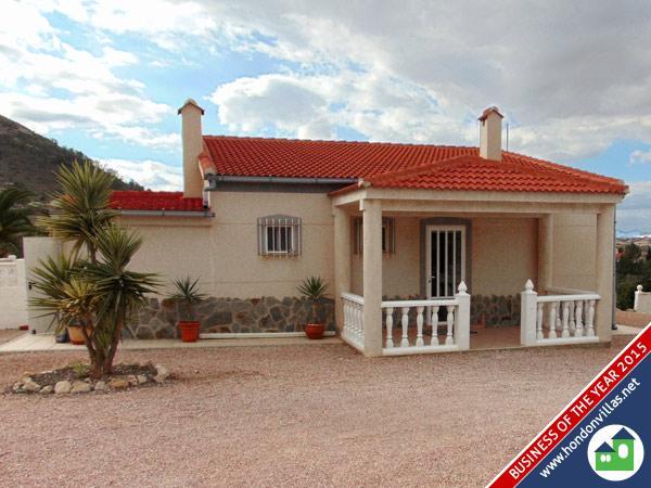 832 Hondon de los Frailes – Detached Villa with mountain views