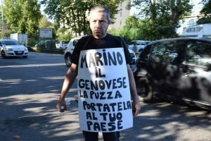 """Rifiuti: """"Marino, la puzza portala al tuo paese"""""""
