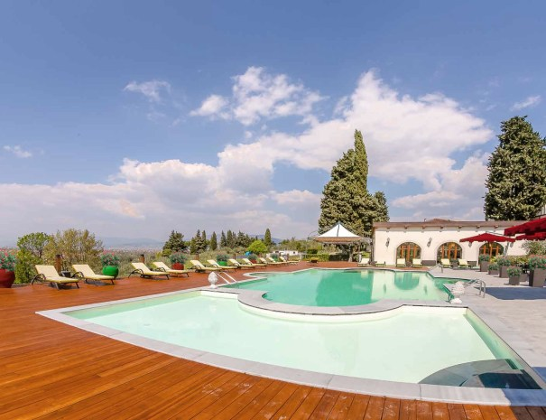 Piscina- Villa Tolomei Hotel & Resort 5 stelle