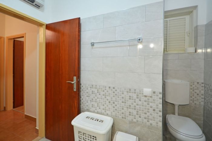 villa tomislav apartment1 bathroom 03