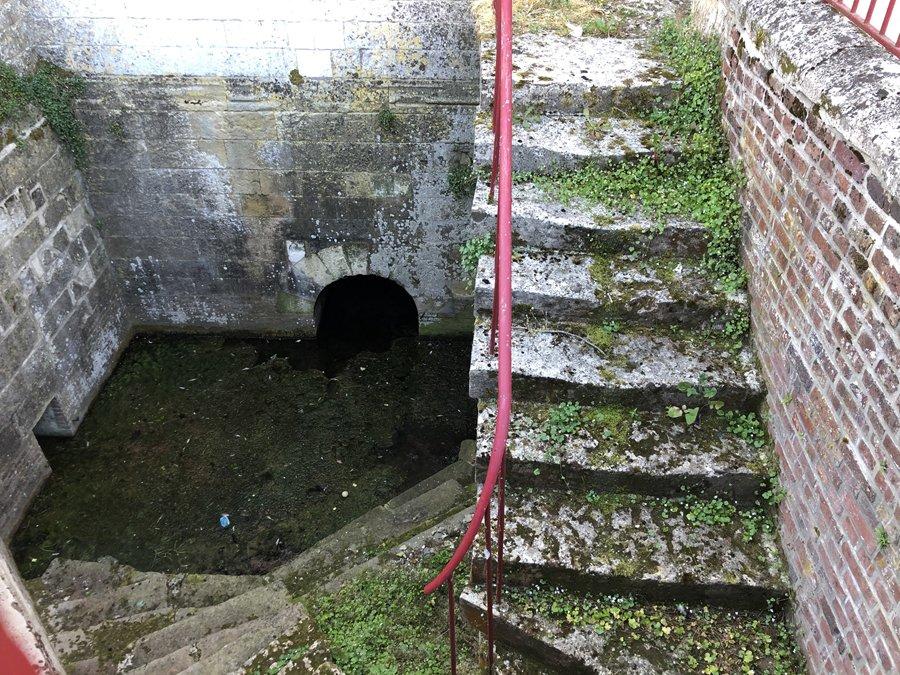 La source sous l'église